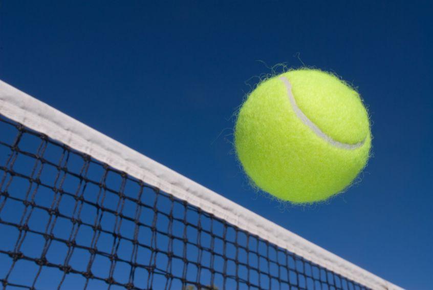 Cours de tennis en club pendant un an for Un cours de tennis